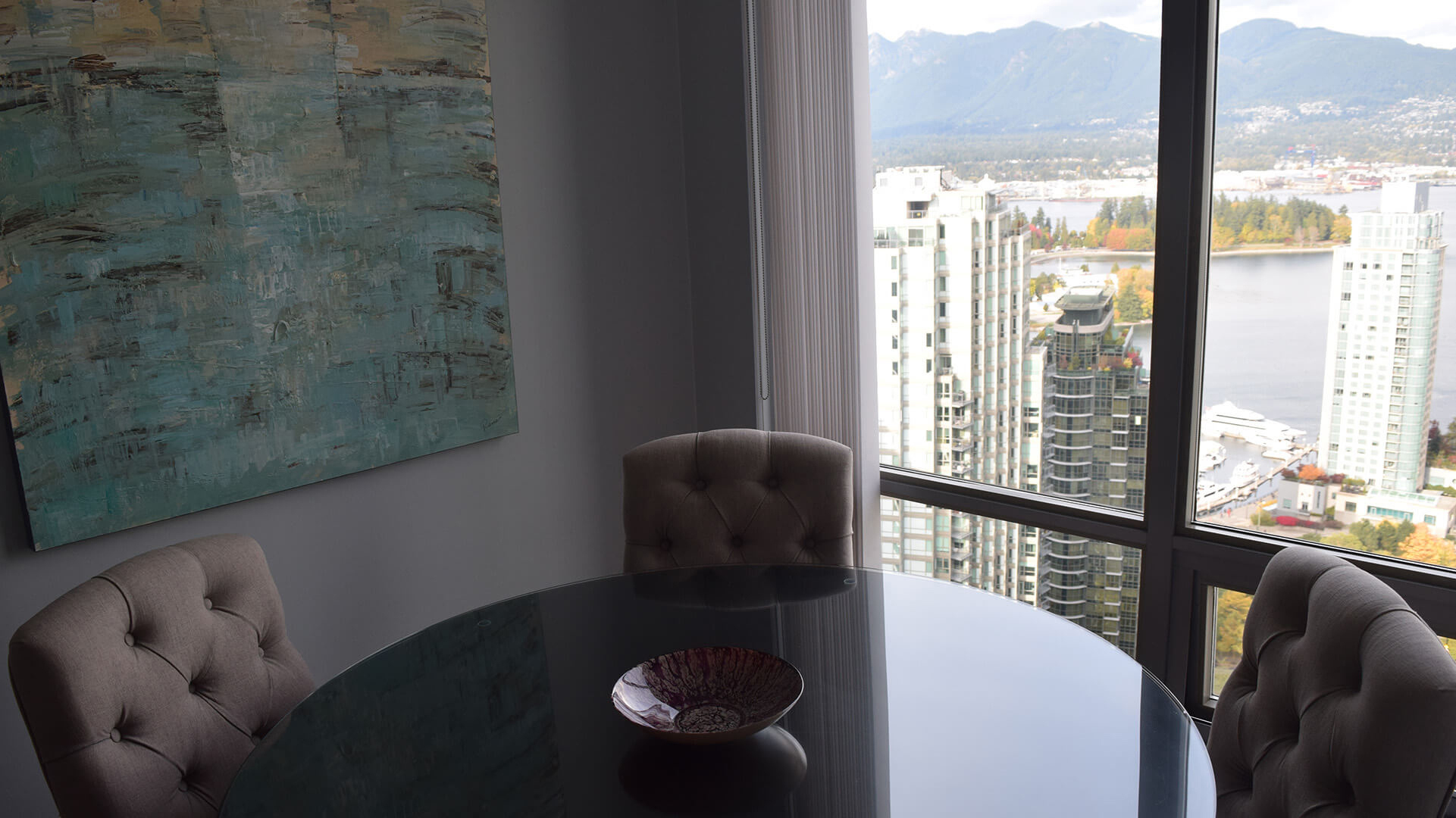 Dining Room in Furnished Corporate Apartment 3302-1288 West Georgia Street Vancouver