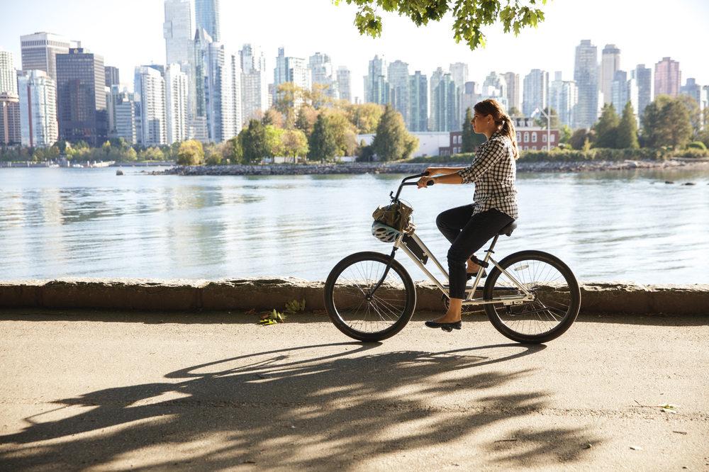 biking-the-seawall-vancouver