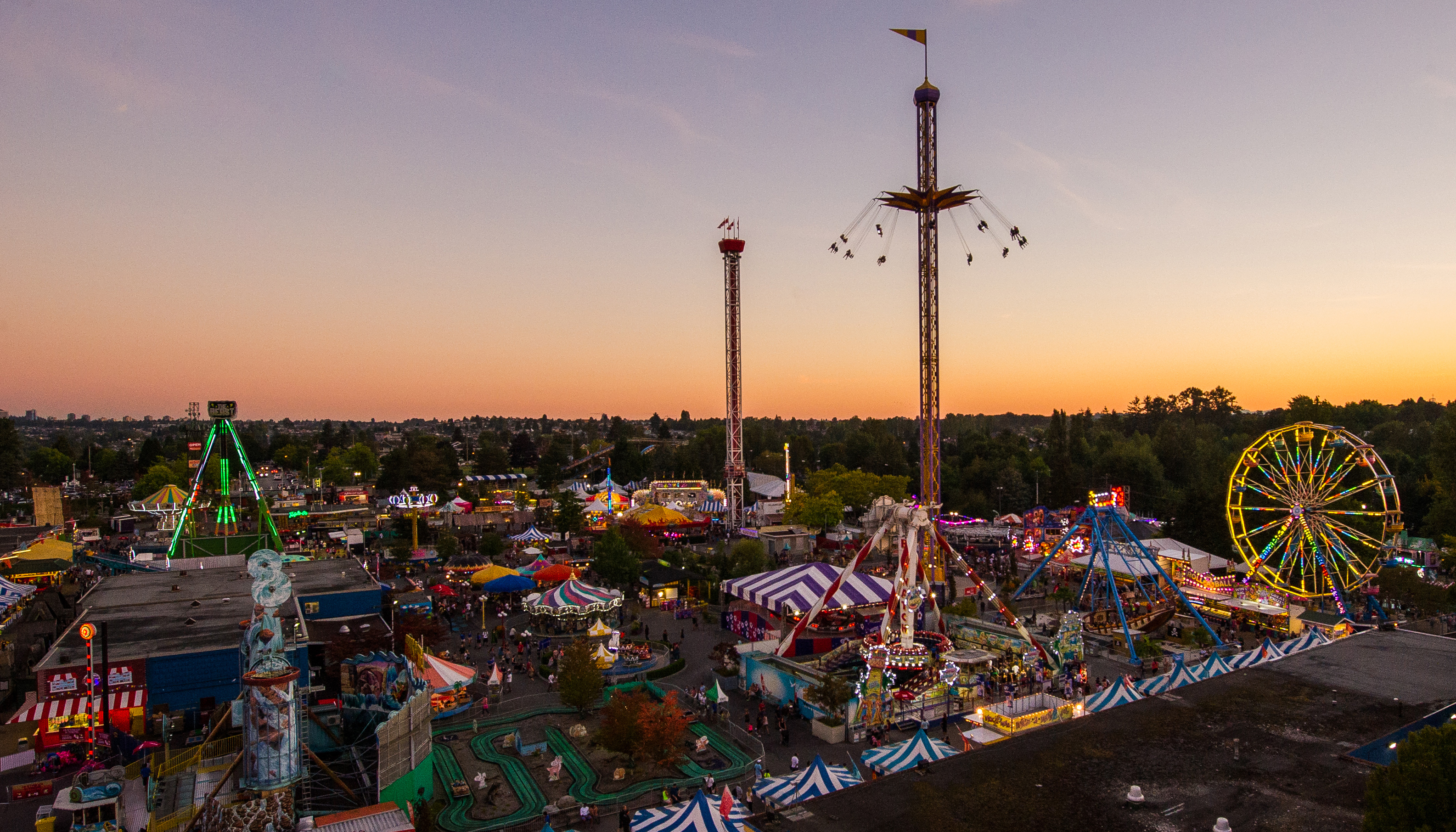 the-fair-at-the-pne-sunset