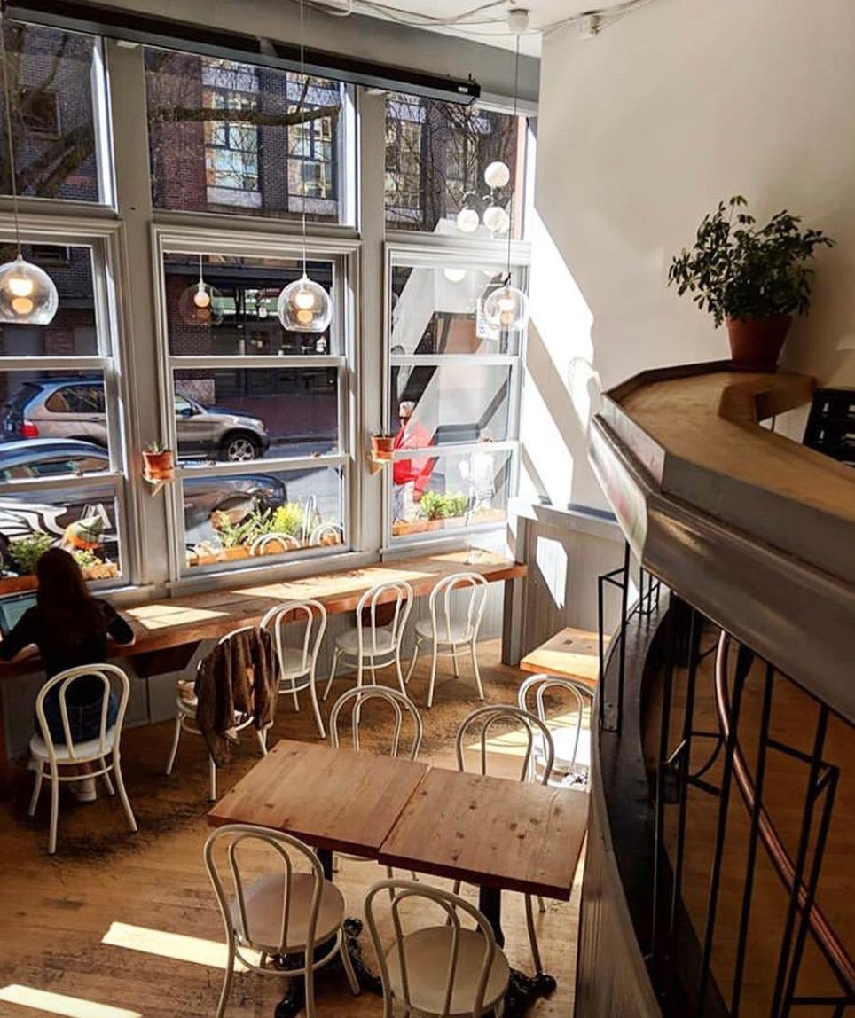 prado-cafe-interior